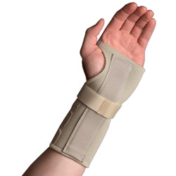 Wearing a splint can ease pain from carpal tunnel