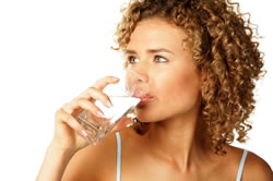 stay hydrated to lower arthritis pain