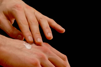 Topical Pain Relievers will ease runners knee pain